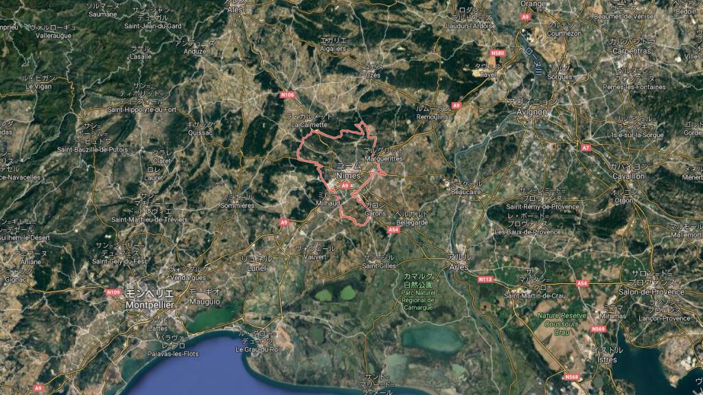 グーグルマップのスクリーンショット。ニーム地方を地球の上から見た図。
