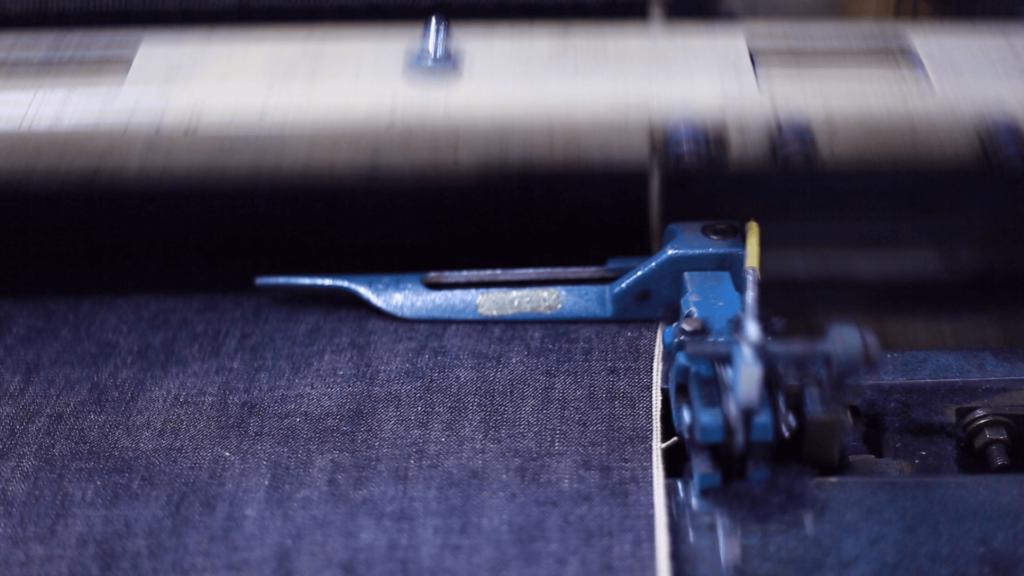 セルビッチデニム 織り機 製造現場 生地工場 岡山デニム 岡山地域 赤耳 レッドタブ REDTAB 比較